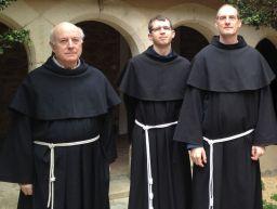 2017 - 2018 : De gauche à droite : fr. Charles, r. Pierre, fr. François- Xavier.